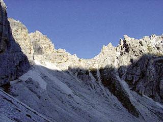 La Forc. Val da Rin d'Aiàrnola dal ciadìn sottostante, in versante auronzano