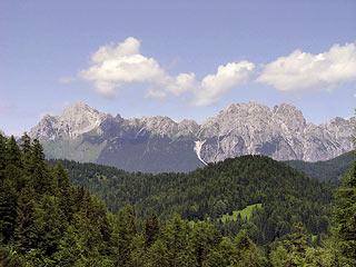 Il versante S dei Brentóni dal Crìssin al Pupèra Valgrande