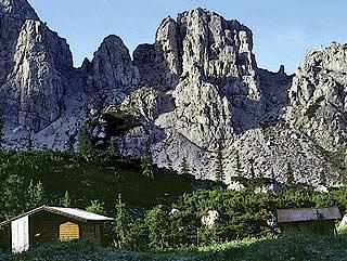 Il Biv. Montanèl verso la Croda  Sóra Casera