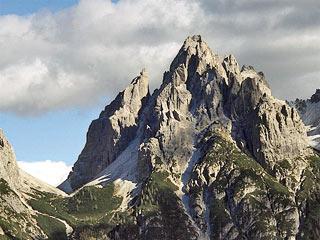 la Forc. Scodavacca sovrastata dalla Torre Berti a dal Crodón di Giàf