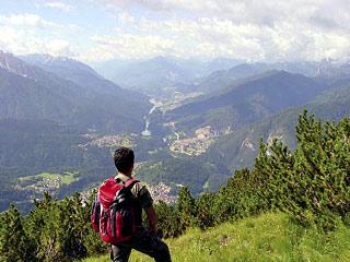 La valle del Centro Cadore lungo la salita, ormai prossimi alla cima