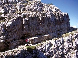 Panoramica cengia aerea sul sent. alp. attr. Osvaldo Zandonella